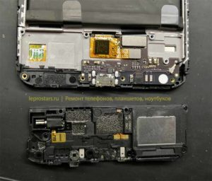 Ремонт телефона Xiaomi Redmi Note 5A Prime для замены разъёма потребуется извлечь не большую плату в нижней части смартфона