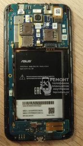 Смартфон Asus Zenfone Go (zb551kl) плата, вид после открытия корпуса