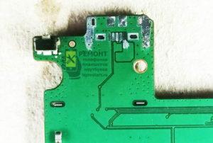 Lenovo A7600-H вид на монтажную площадку разъёма после снятия старого коннектора